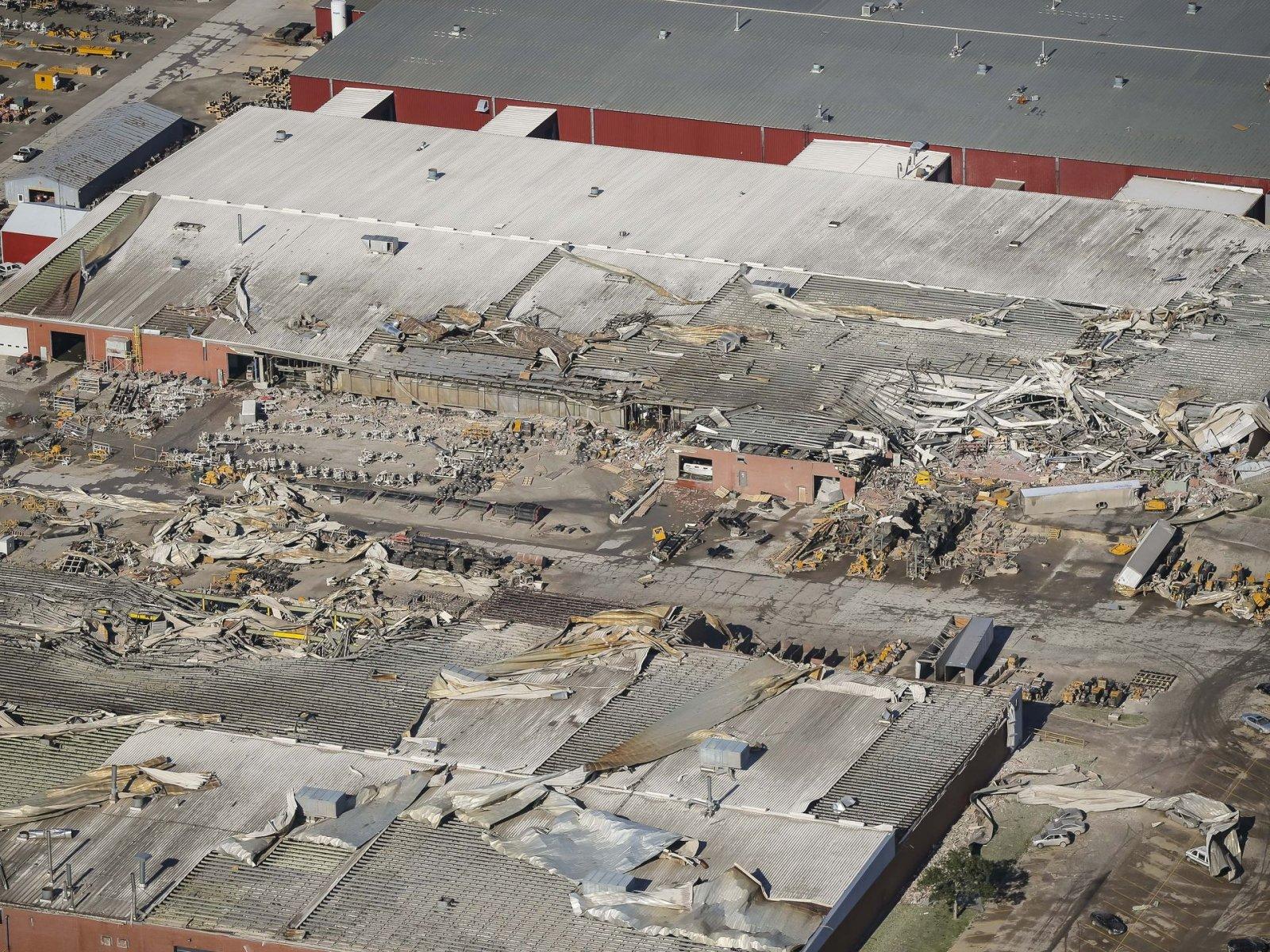 636676254048763717-0719-Pella-vermeer-tornado-damage-01068.jpg