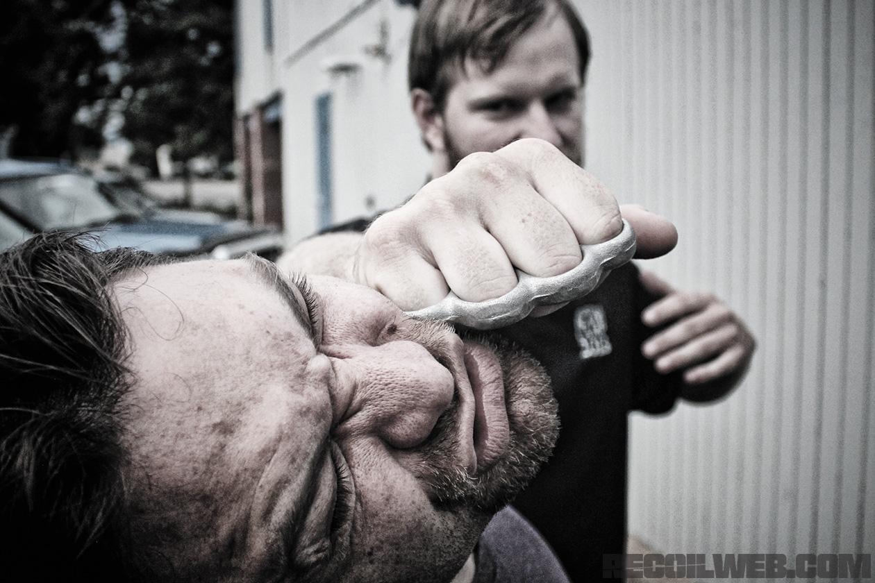 Brass-knuckles.jpg