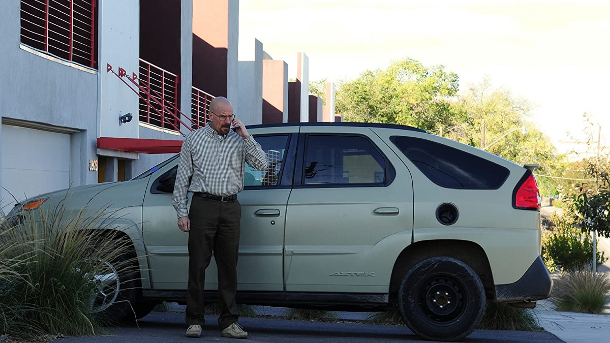 breaking-bad-walter-white-pontiac-aztek-00-1587100671.jpg