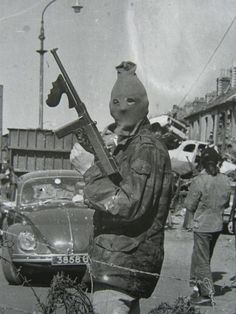 c021e3db452342c81f92b3f204aedccf--irish-republican-army-weapons-guns.jpg