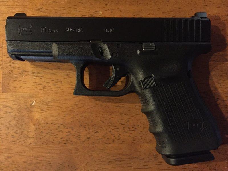 Glock 19 Gen 4.jpg