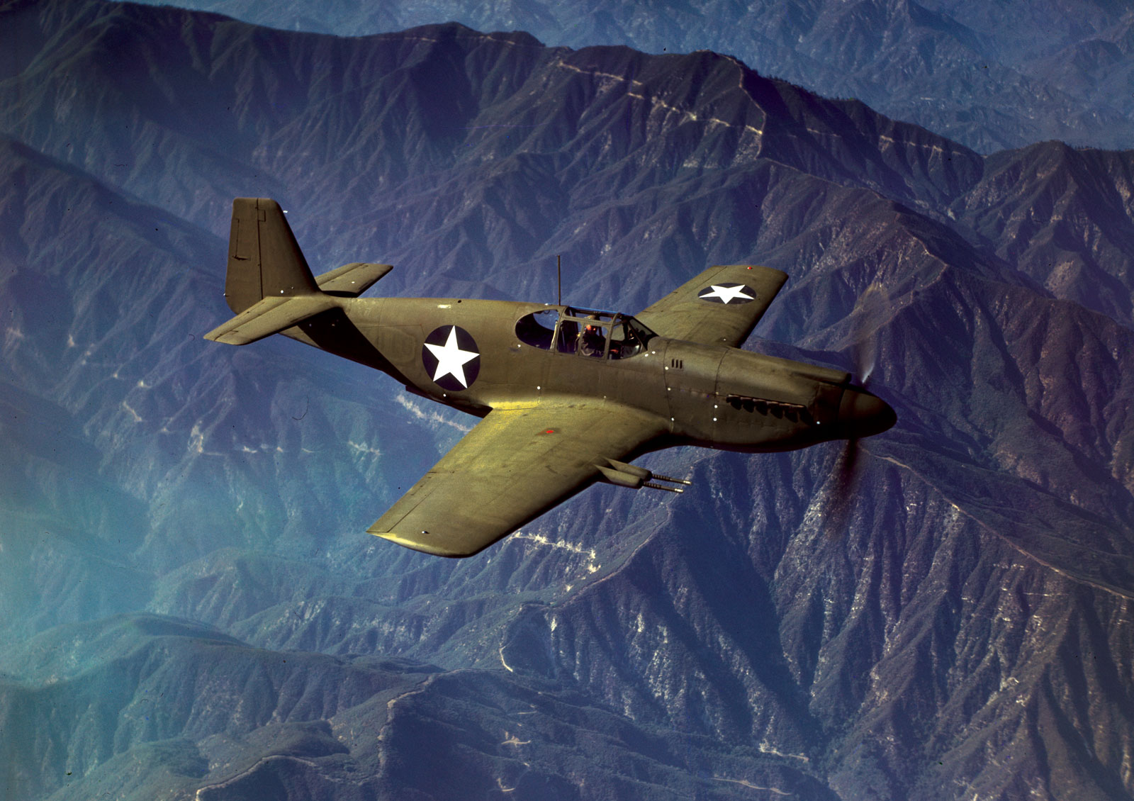 P-51-Mustang-fighter.jpg